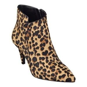 Nine West Jet Lag leopard print heeled bootie 7.5